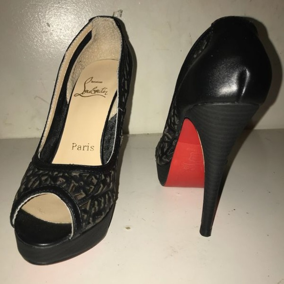 info for 7f4fe fd8e7 New never worn Louboutins womens pumps